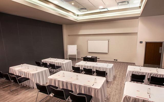 City Express Suites Cabo San Lucas, salón de eventos
