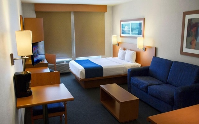 Hotel City Express Tepotzotlán, habitaciones bien equipadas