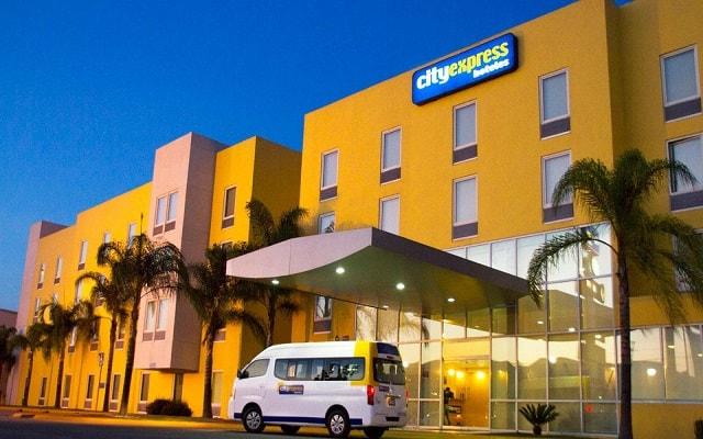 Hotel City Express Tepotzotlán, linda vista nocturna