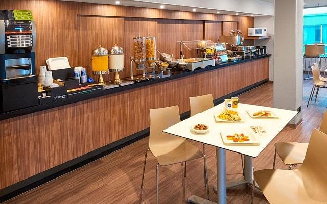 Hotel City Express Toluca, desayuno en cortesía