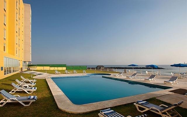 Hotel City Express Veracruz, disfruta de su alberca al aire libre