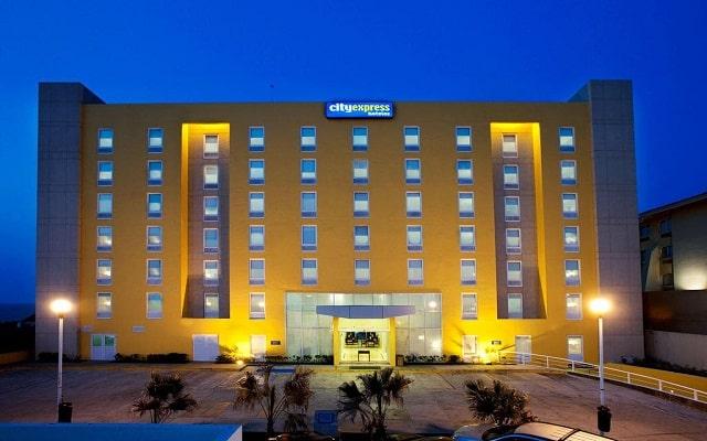 Hotel City Express Veracruz, linda vista nocturna