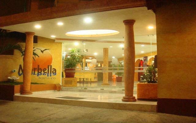 Hotel Club Marbella en Zona Dorada