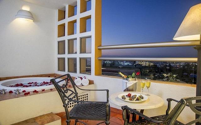 Hotel Club Regina Puerto Vallarta, aprovecha cada instante