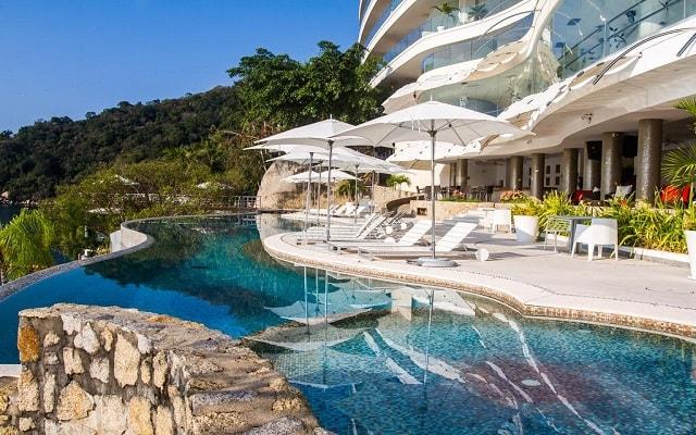 Hotel Condominio B Pichilingue Acapulco, disfruta de su alberca al aire libre