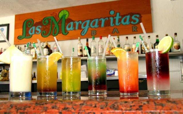 Hotel Copacabana Acapulco Beach, disfruta una copa en el Bar Las Margaritas