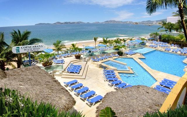 Hotel Copacabana Acapulco Beach, disfruta de su alberca al aire libre