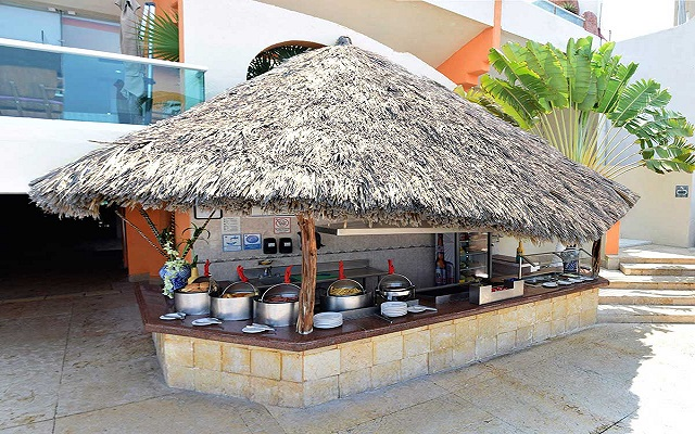 Hotel Copacabana Acapulco Beach, Snack Coparrilla
