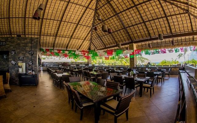 Hotel Coral Blue Huatulco, escenario ideal para tus alimentos