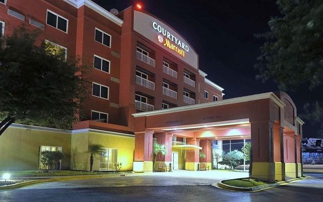 Hotel Courtyard by Marriott Monterrey Aeropuerto en Aeropuerto
