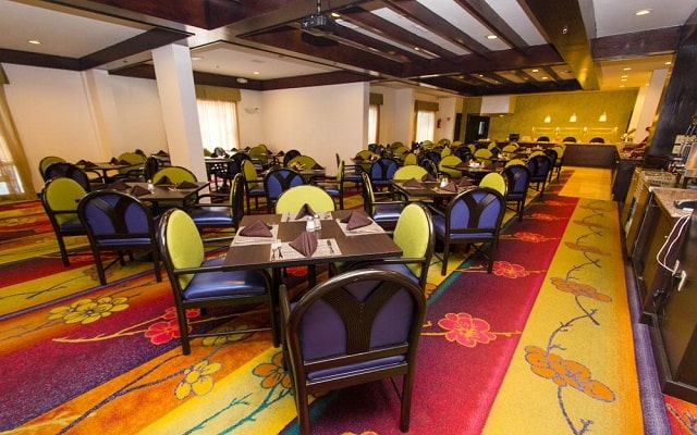 Hotel Courtyard by Marriott Monterrey Aeropuerto, escenario ideal para tus alimentos