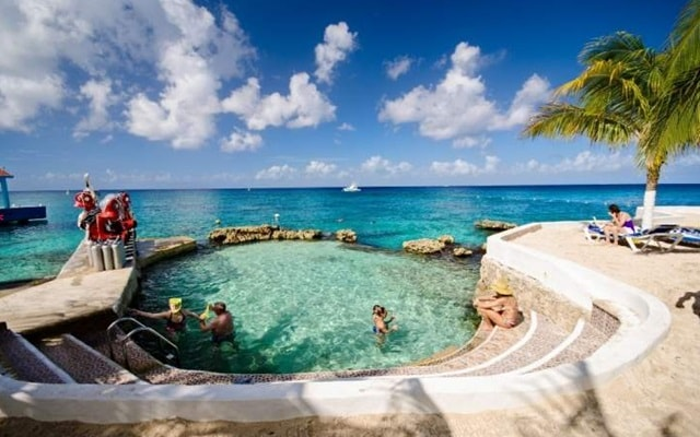 Hotel Cozumel & Resort, alberca natural