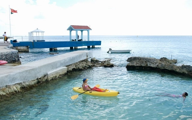 Hotel Cozumel & Resort, anímate a subirte a un kayak