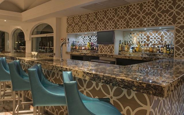 Hotel Cozumel Palace, prueba un coctel en el bar