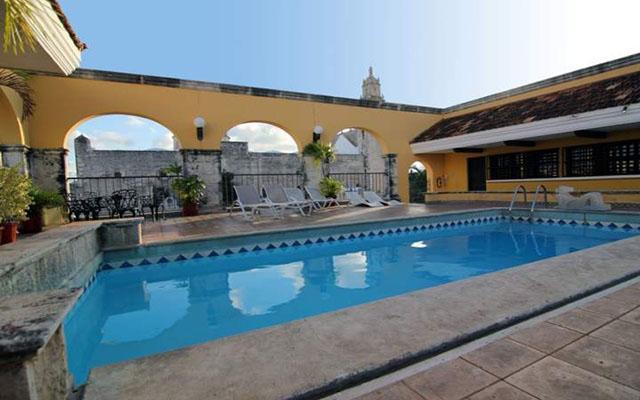 Hotel Caribe, disfruta de su alberca al aire libre