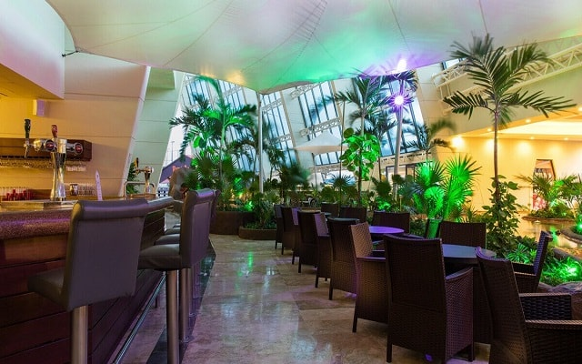 Hotel Crown Paradise Club Cancún, Lobby bar