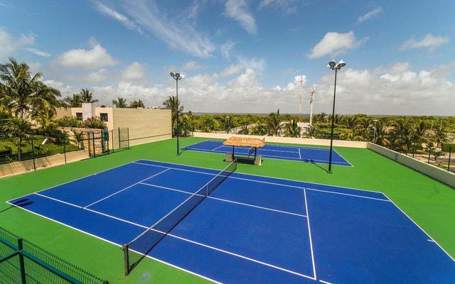 Hotel Crown Paradise Club Cancún, practica tu deporte favorito