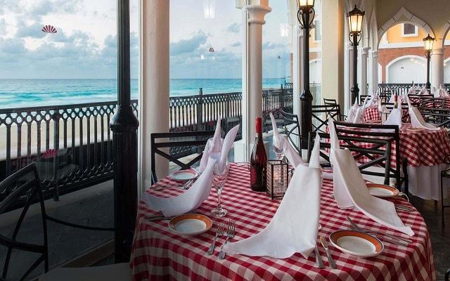 Hotel Crown Paradise Club Cancún, platillos de cocina italiana
