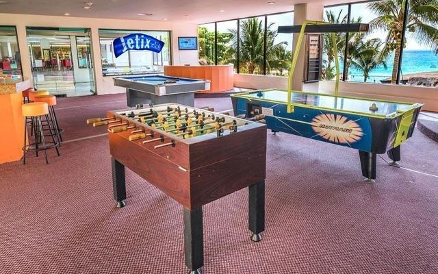 Hotel Crown Paradise Club Cancún, entretenimiento para toda la familia
