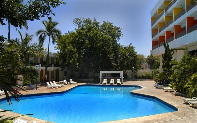 Hotel de Cima, disfruta de su alberca al aire libre