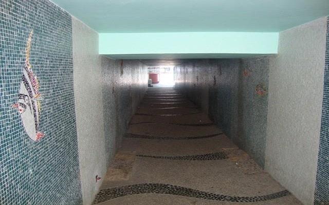 Hotel de Cima, túnel que te lleva a la playa