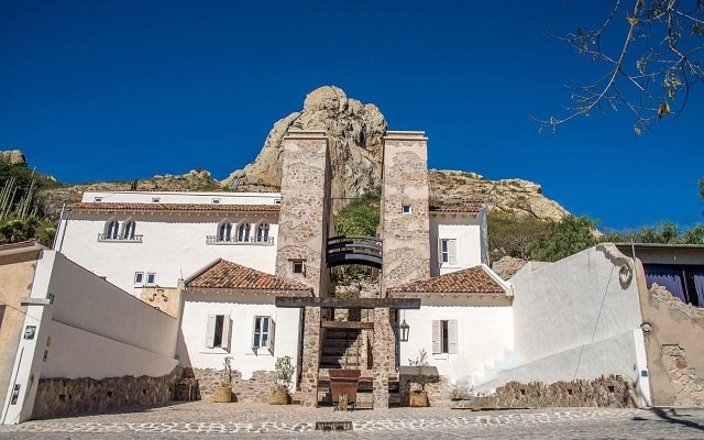 Hotel de Piedra en Bernal