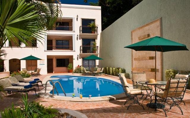 Hotel del Gobernador, disfruta de su alberca al aire libre