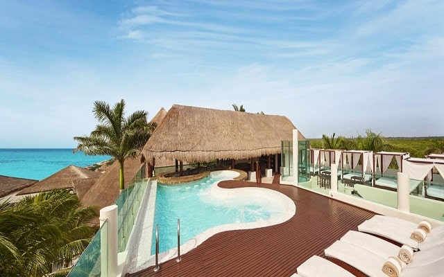 Hotel Desire Riviera Maya Resort, disfruta de su alberca al aire libre