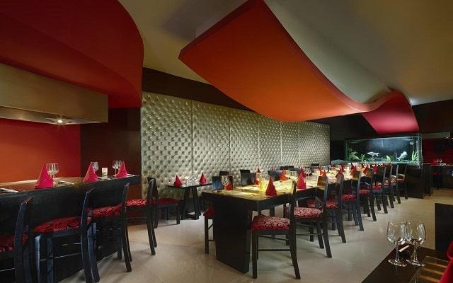 Hotel Desire Riviera Maya Resort, disfruta una copa en el bar