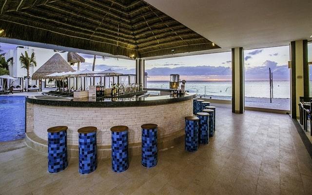 Hotel Desire Riviera Maya Resort, buen servicio
