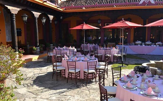 Con servicio para bodas y eventos