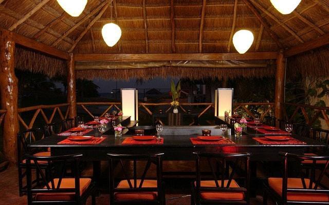 Hotel Dos Playas Cancún ofrece un restaurante de comida Thai