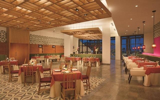 Hotel Dreams Playa Mujeres Golf and Spa Resort, Restaurante Tres Colores
