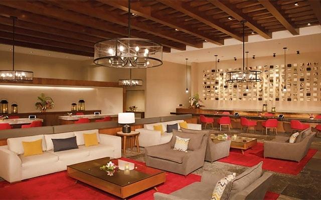 Hotel Dreams Playa Mujeres Golf and Spa Resort, atención personalizada desde el inicio de tu estancia