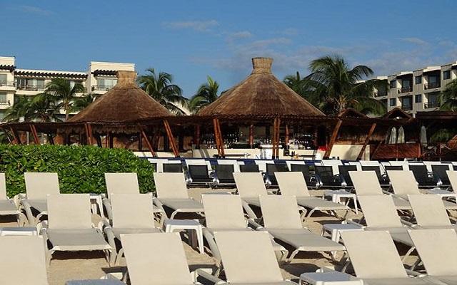 Hotel Dreams Riviera Cancún Resort and Spa, amenidades en la playa