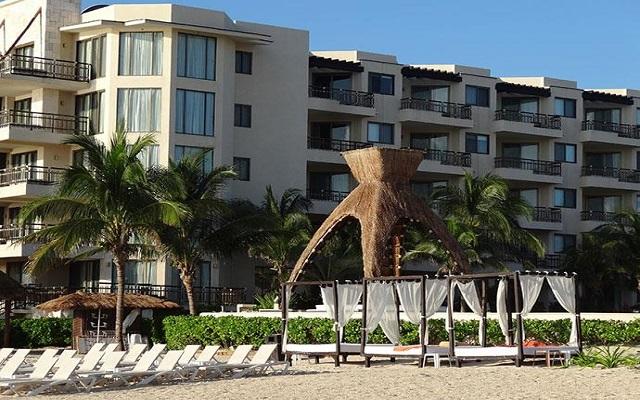 Hotel Dreams Riviera Cancún Resort and Spa, camas balinesas