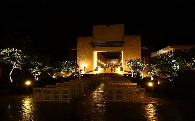 Hotel Dreams Riviera Cancún Resort and Spa, diviértete con los shows nocturnos