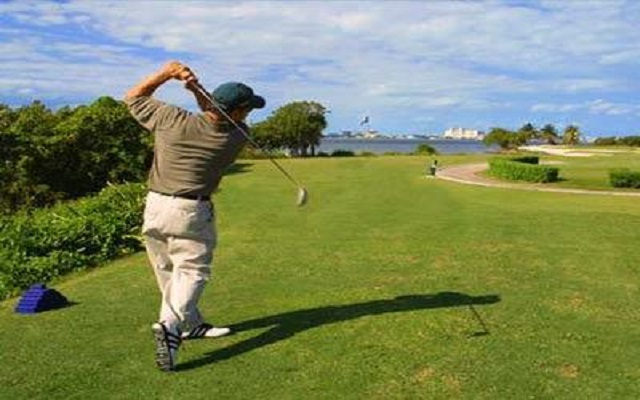 Hotel Dreams Riviera Cancún Resort and Spa, consulta acceso al campo de golf