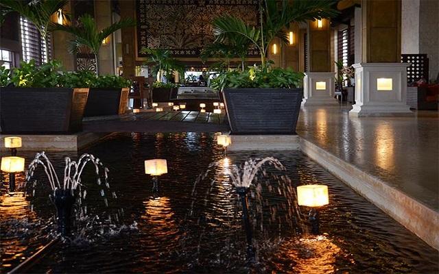 Hotel Dreams Riviera Cancún Resort and Spa, lobby