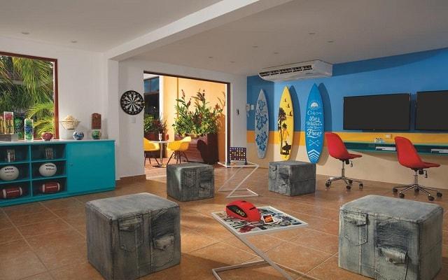 Hotel Dreams Tulum, club para adolescentes