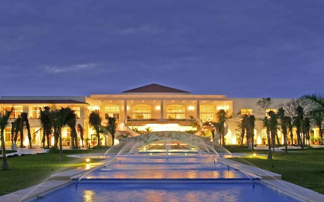 Hotel El Dorado Casitas Royale by Karisma, ingreso