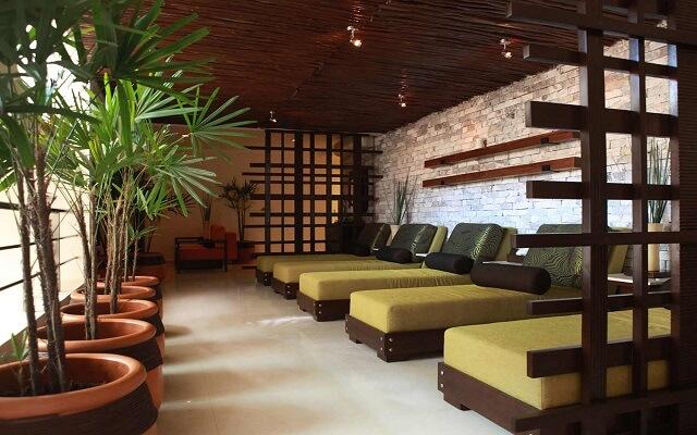 Hotel El Dorado Casitas Royale by Karisma, descansa en el lounge