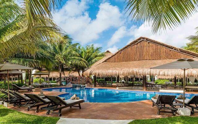 Hotel El Dorado Casitas Royale by Karisma, Swim up Bar