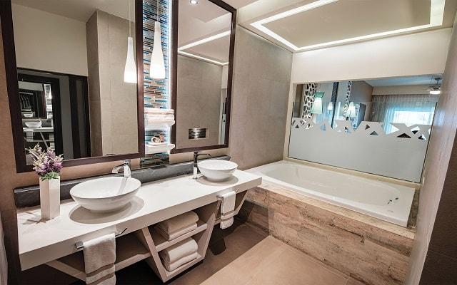 Hotel El Dorado Seaside Suite Infinity, By Karisma, amenidades de calidad