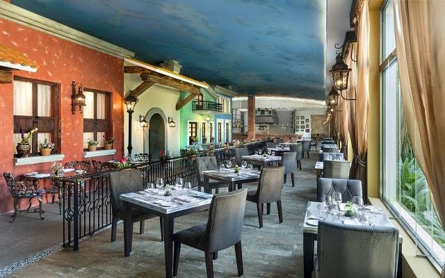 Hotel El Dorado Seaside Suite Infinity, By Karisma, escenario ideal para tus alimentos