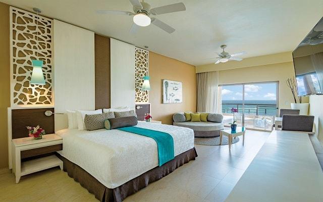 Hotel El Dorado Seaside Suite Infinity, By Karisma, amplias y luminosas habitaciones