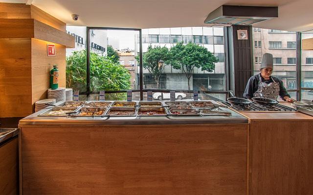 Hotel El Ejecutivo by Reforma Avenue, deleita tu paladar con la variedad de comidas que ofrece