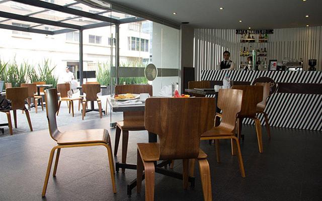 Hotel El Ejecutivo by Reforma Avenue, disfruta de un rico café