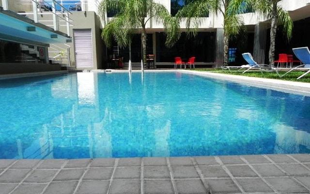 Hotel El Español Paseo de Montejo, disfruta de su alberca al aire libre