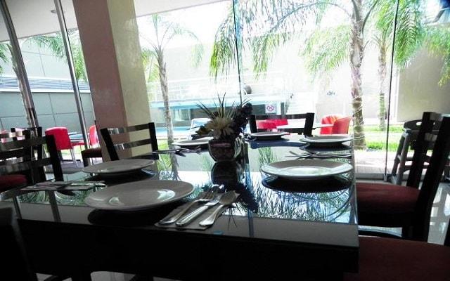 Hotel El Español Paseo de Montejo, cuenta con su propio restaurante y bar